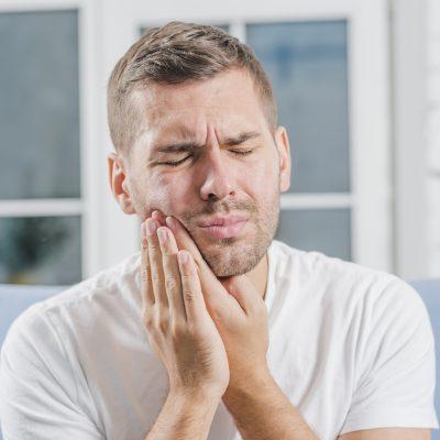 Dentysta Białystok - Czy należy usunąć ósemki (zęby mądrości)