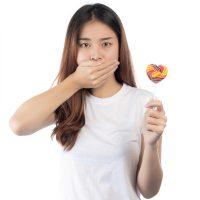 Dentysta Białystok - Jakie są przyczyny nieświeżego oddechu obraz wyróżniający